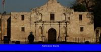 Dos libros sobre la rareza de Texas