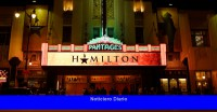Ex miembro del elenco de 'Hamilton' presenta una denuncia por discriminación contra el programa