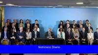 Fernández: 'Todos los precandidatos deben dejar sus cargos'