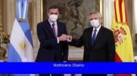 Fernández y Sánchez cerraron un foro empresarial con marcado apoyo español a la negociación de deuda