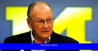 Hijo de Bo Schembechler dice que fue abusado por el médico del equipo de Michigan