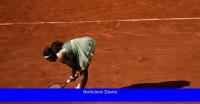 La difícil temporada de Serena Williams en tierra batida la alcanza en el Abierto de Francia