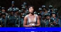 La estrella de la ópera sudafricana dice que la policía francesa la maltrató