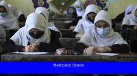 Las alumnas y las maestras no pudieron regresar a las escuelas secundarias afganas después del veto de los talibanes