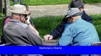 Se cobra a los jubilados y pensionados con ingresos hasta $ 25,925 y DNI terminado en 2